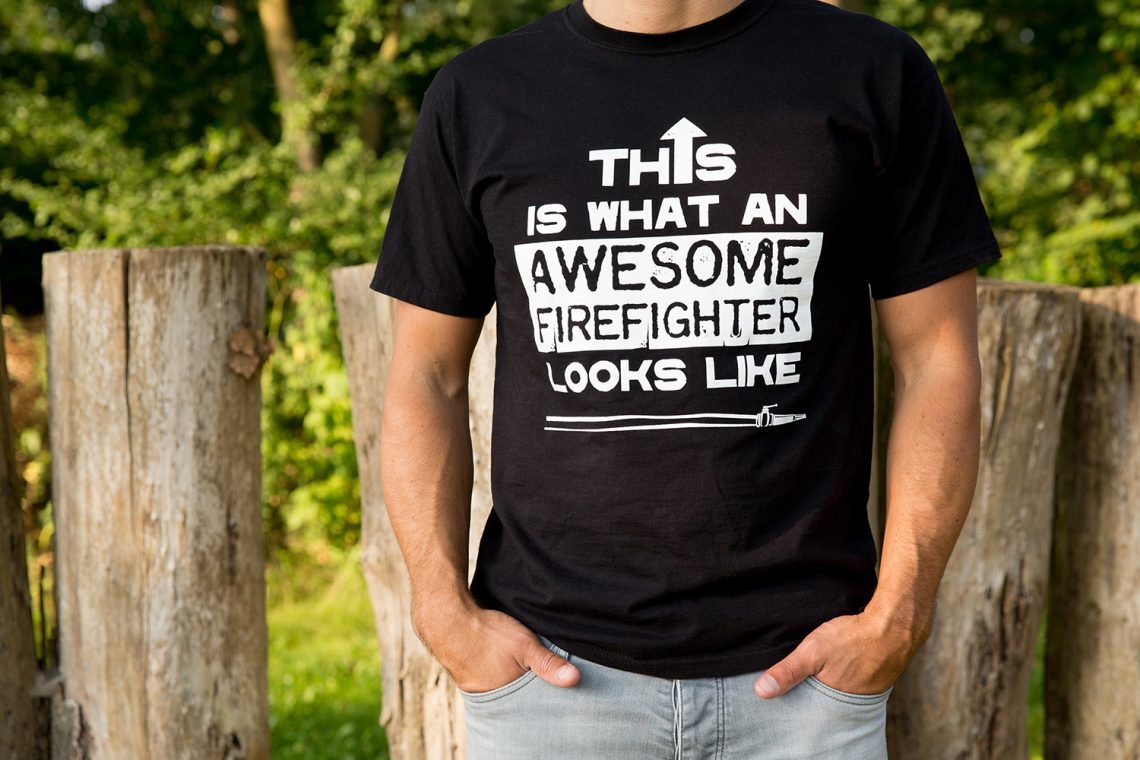 Brandweer t-shirt - awesome firefighter